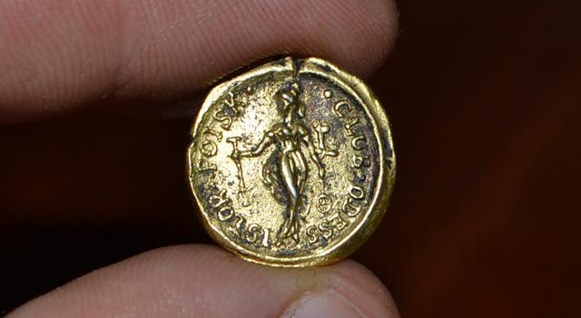 najti-zolotuju-monetu-i-poterjat-1