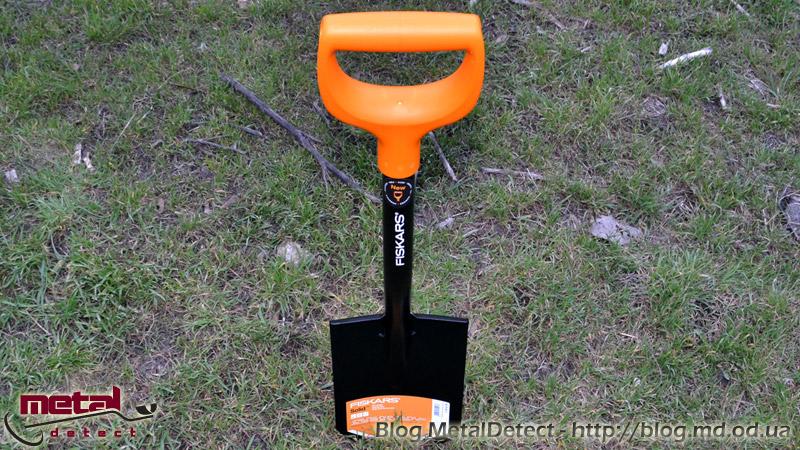 Лопата Fiskars Solid обновление
